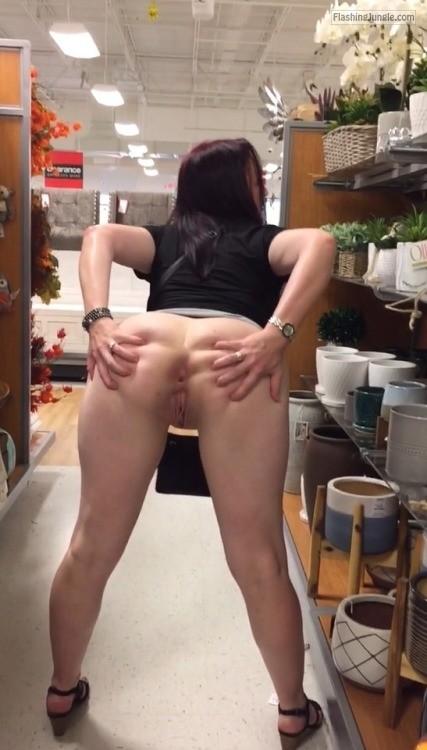 Girl fucks horese cock