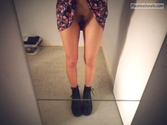 Teen Flashing Pics Pussy Flash Pics No Panties Pics