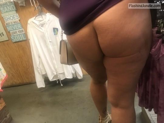 MILF bum Store flash! no panties milf pics flashing store ass flash