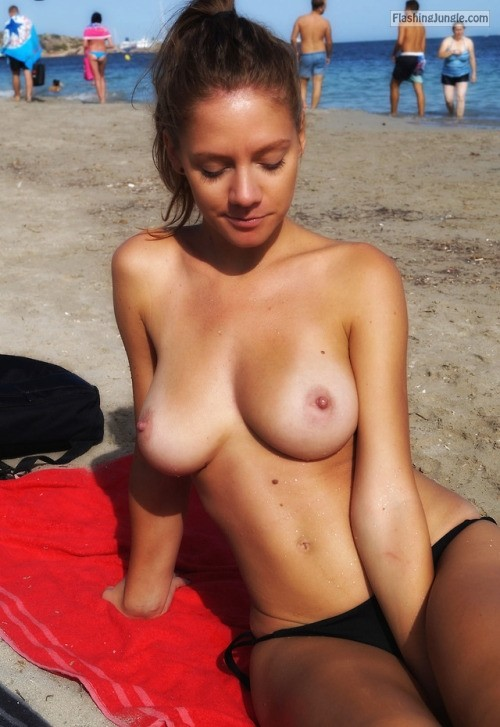 Teen Flashing Pics Public Flashing Pics Nude Beach Pics Boobs Flash Pics