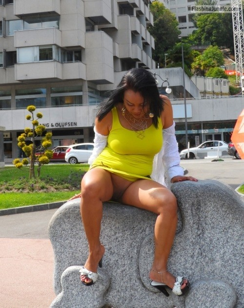 MILF in yellow dress isnt wearing underwear on vacation public flashing