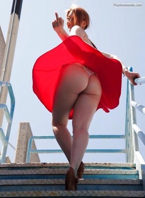 Light weight red skirt upskirt on upstairs   showing mid finger ass flash