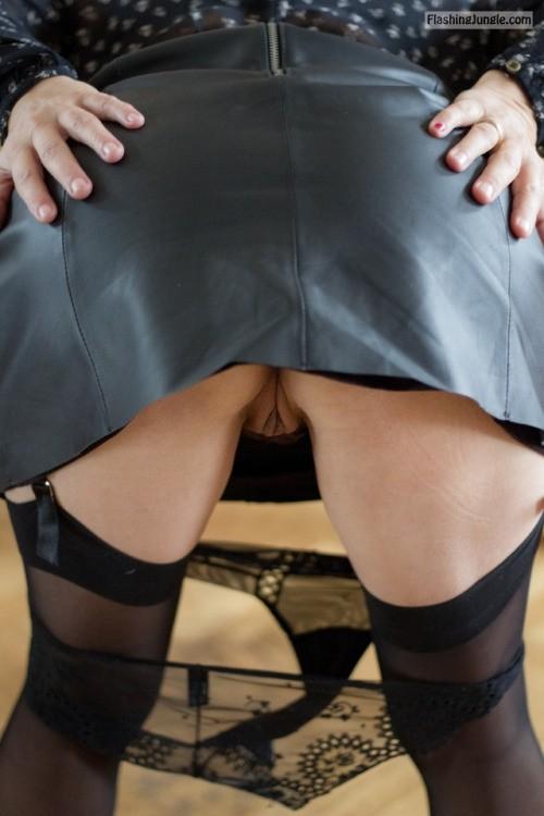 Mature cunt under leather skirt upskirt no panties