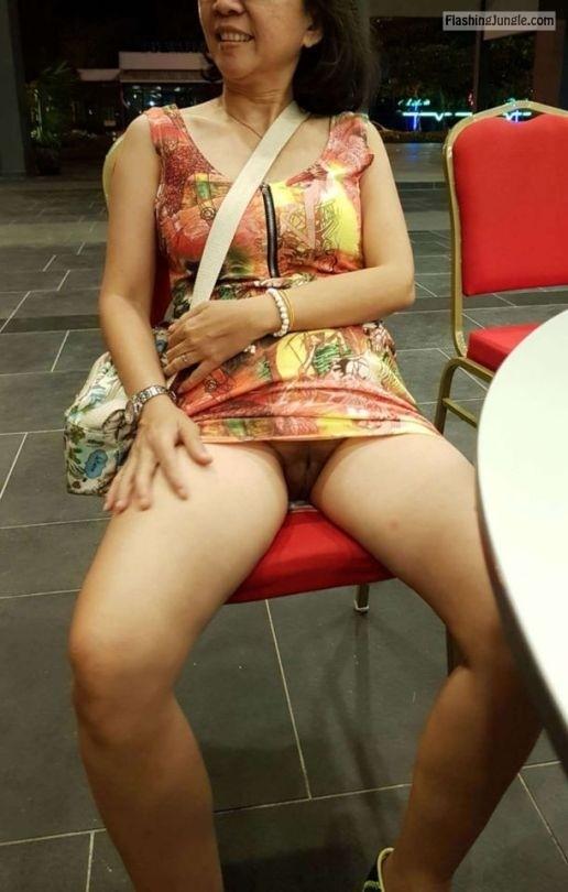 sgts wife goin bare: no panties