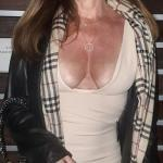 nippelalarm:My wife likes to go braless in front of my friends….