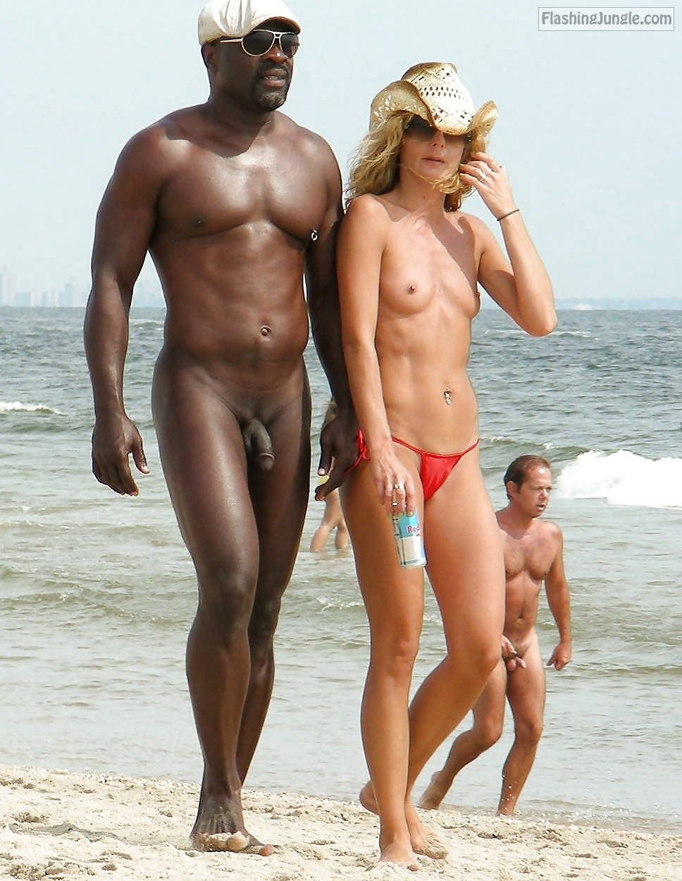 Naked Black Guy And Topless Blonde Nude Beach Pics, Voyeur -1530