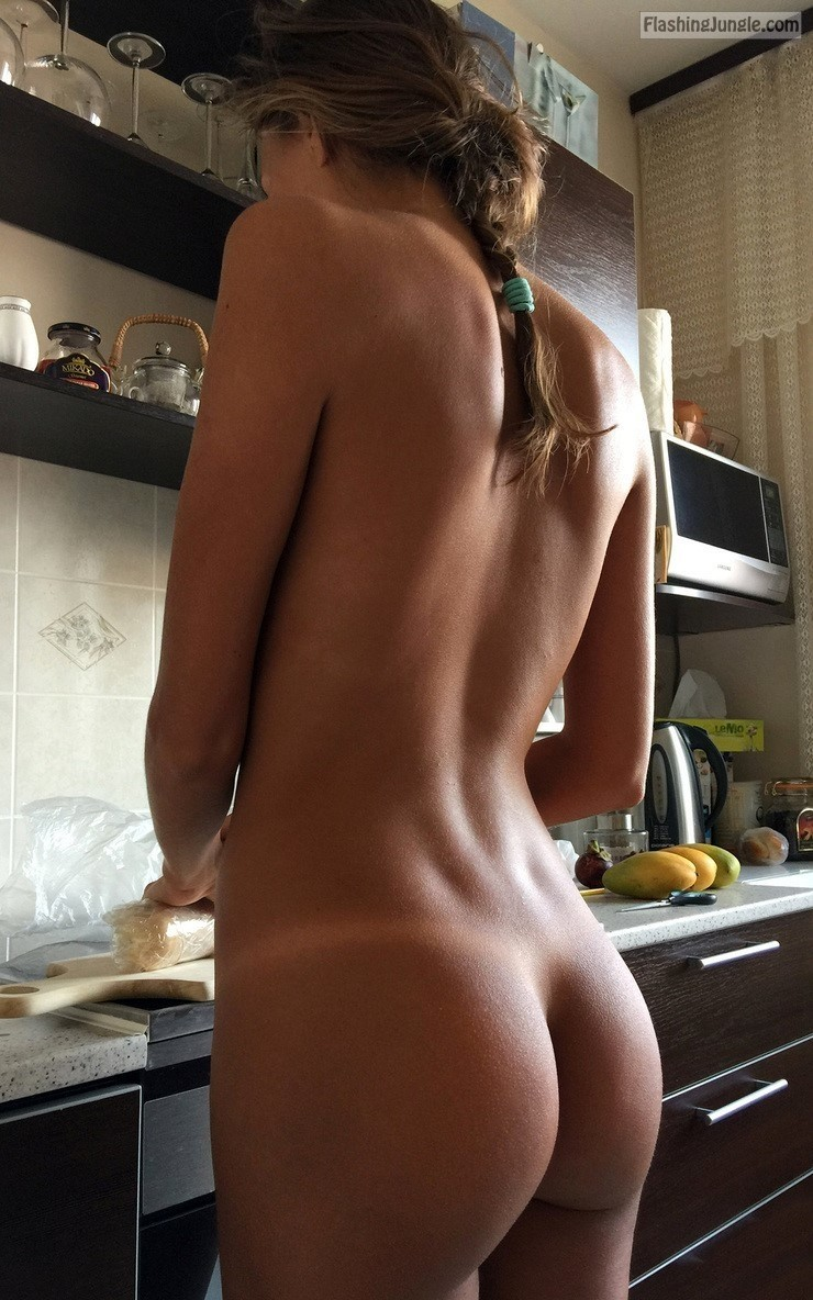 Naked Teen Girlfriend In The Kitchen Ass Flash Pics, Teen -7623