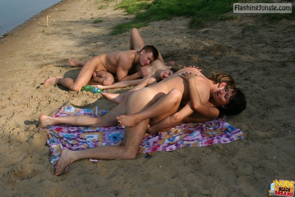 Wild Naked Amateurs Having Group Sex At The Beach Nude -1098