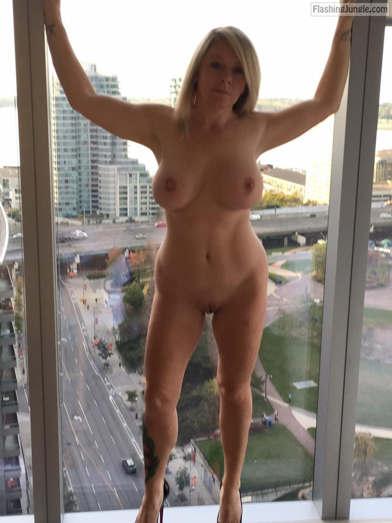 naked mom in public big boobs