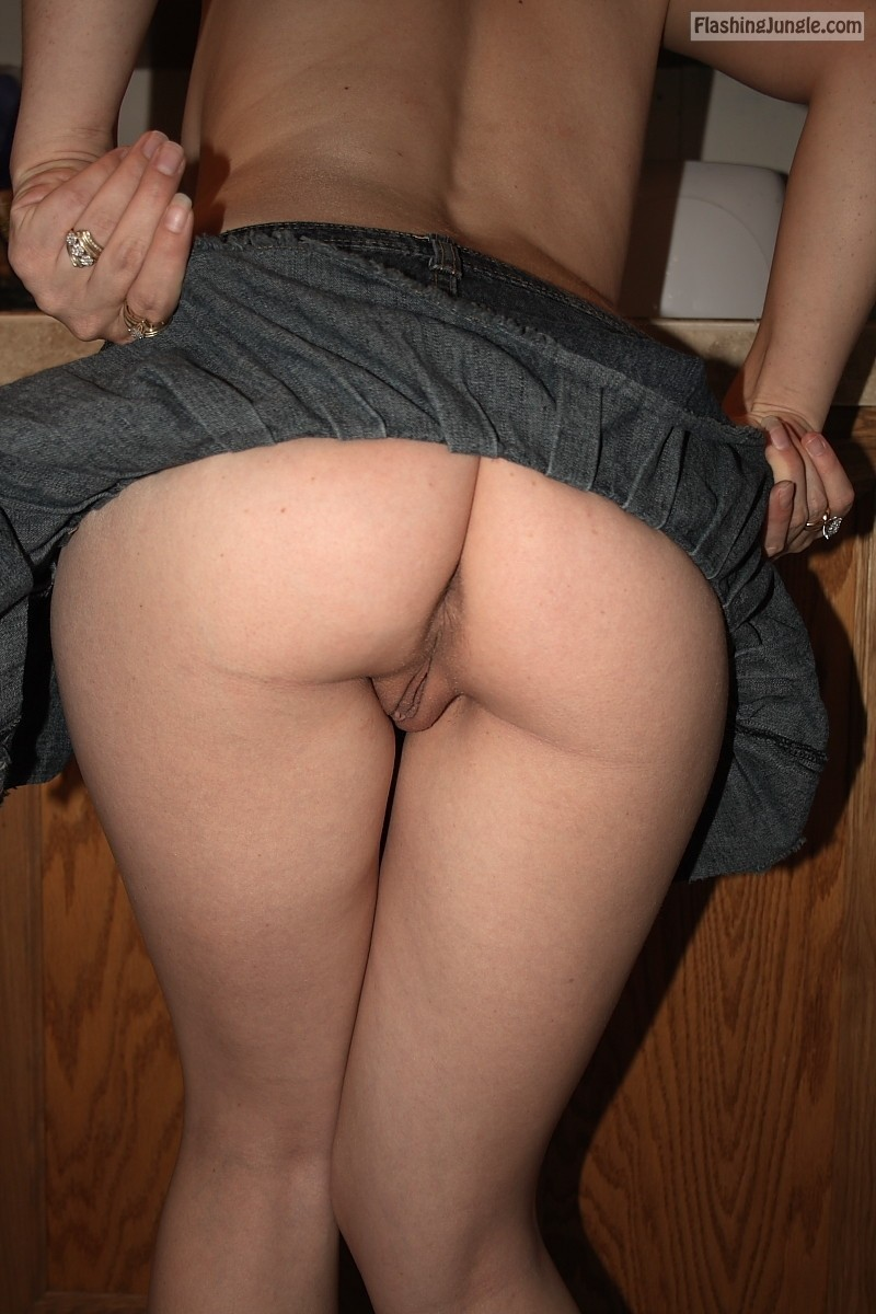 My wifes bare ass real nudity
