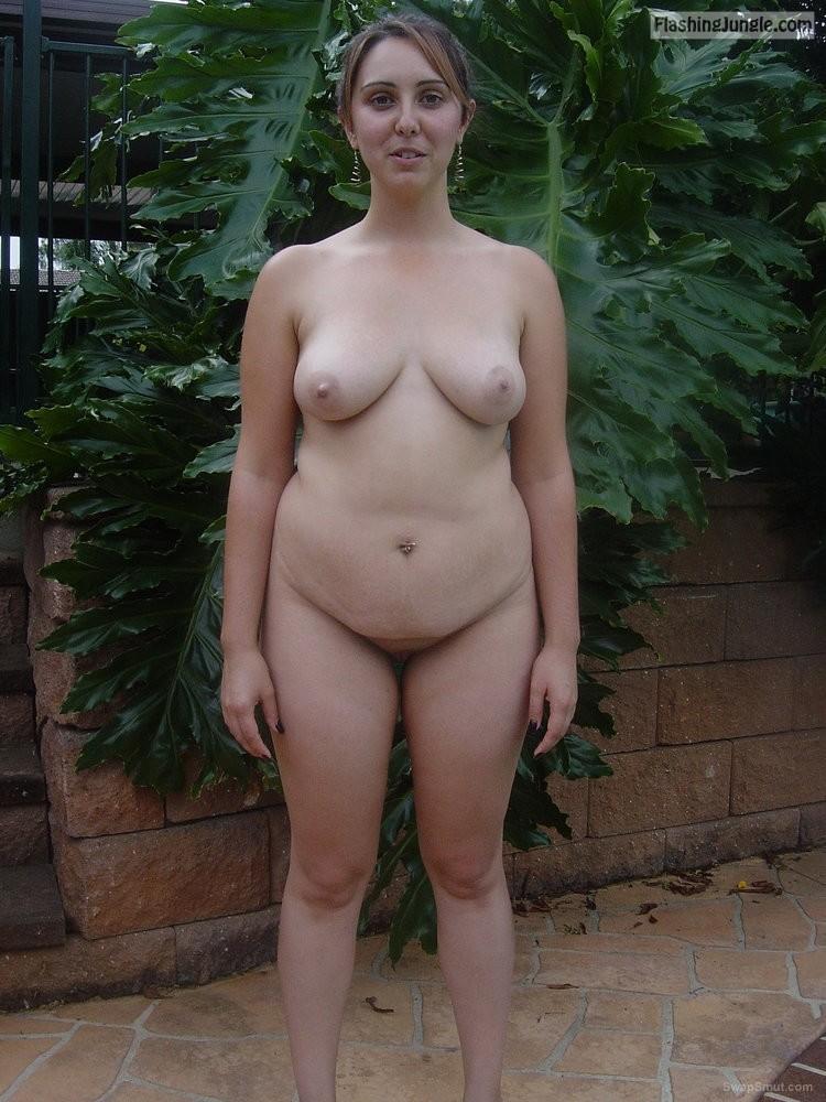 Aussie Melanie Nude In Backyard Real Nudity From Google -1789