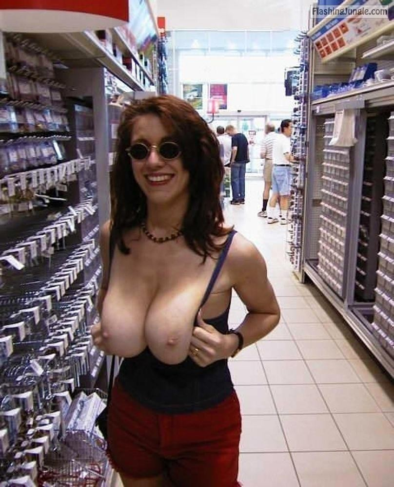 Big Tits Milf Naked In Mall And Change Room