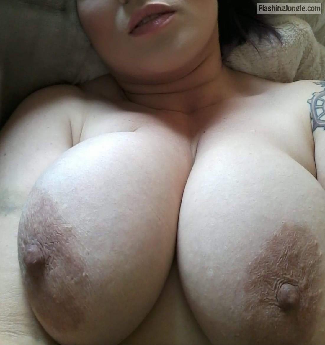 Eee Tits
